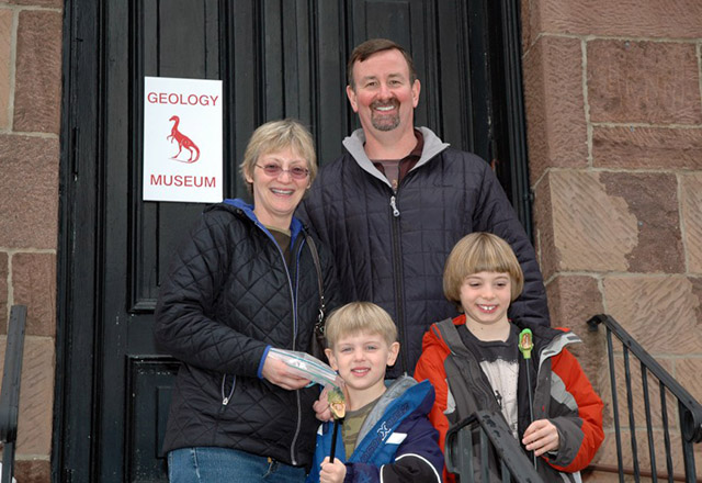 geology-rutgers-open-house-family